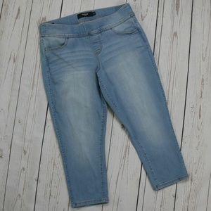 Torrid Denim Lean Jean Cropped Pull-On Jeans